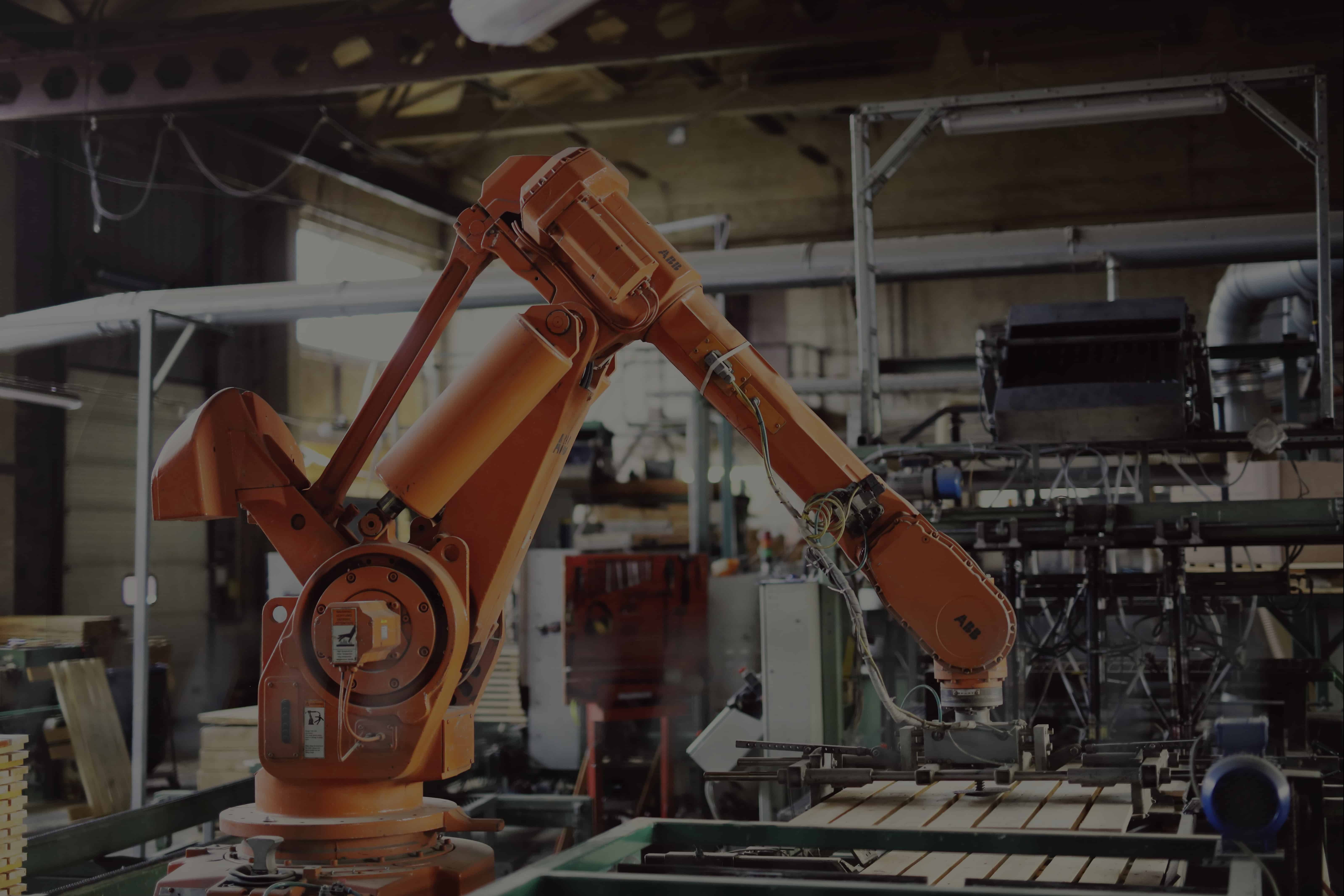 Alsena gamina medinius padėklus automatizuotose – robotizuotose kalimo linijose